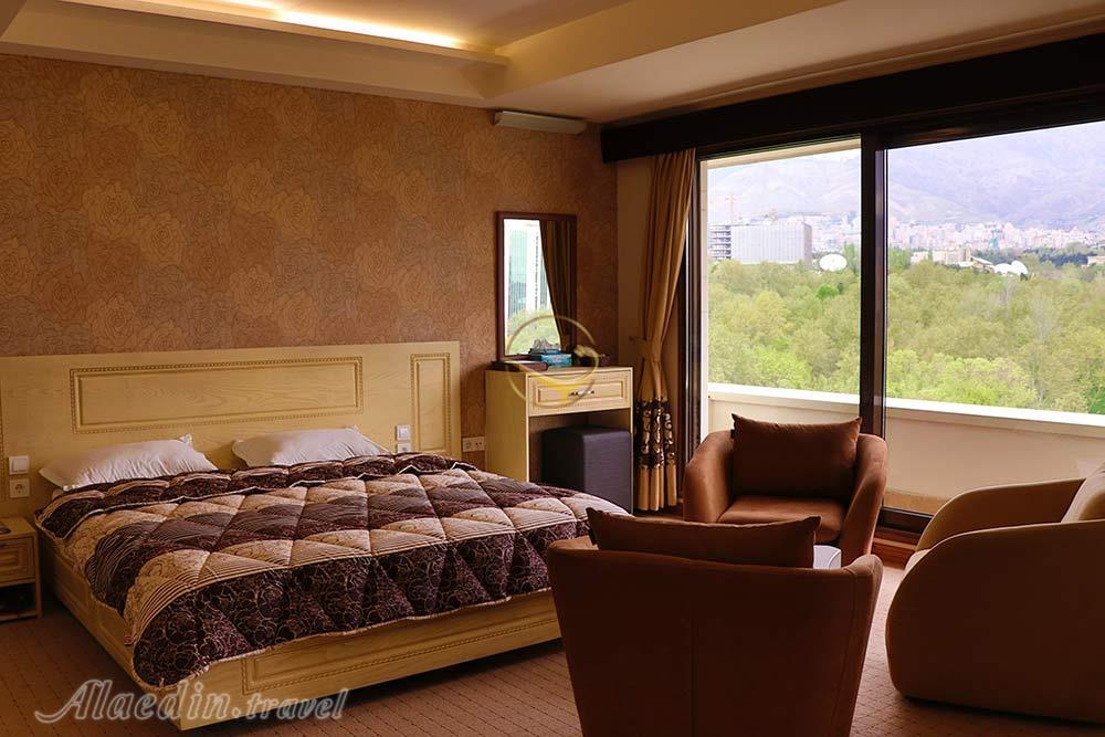 هتل 2